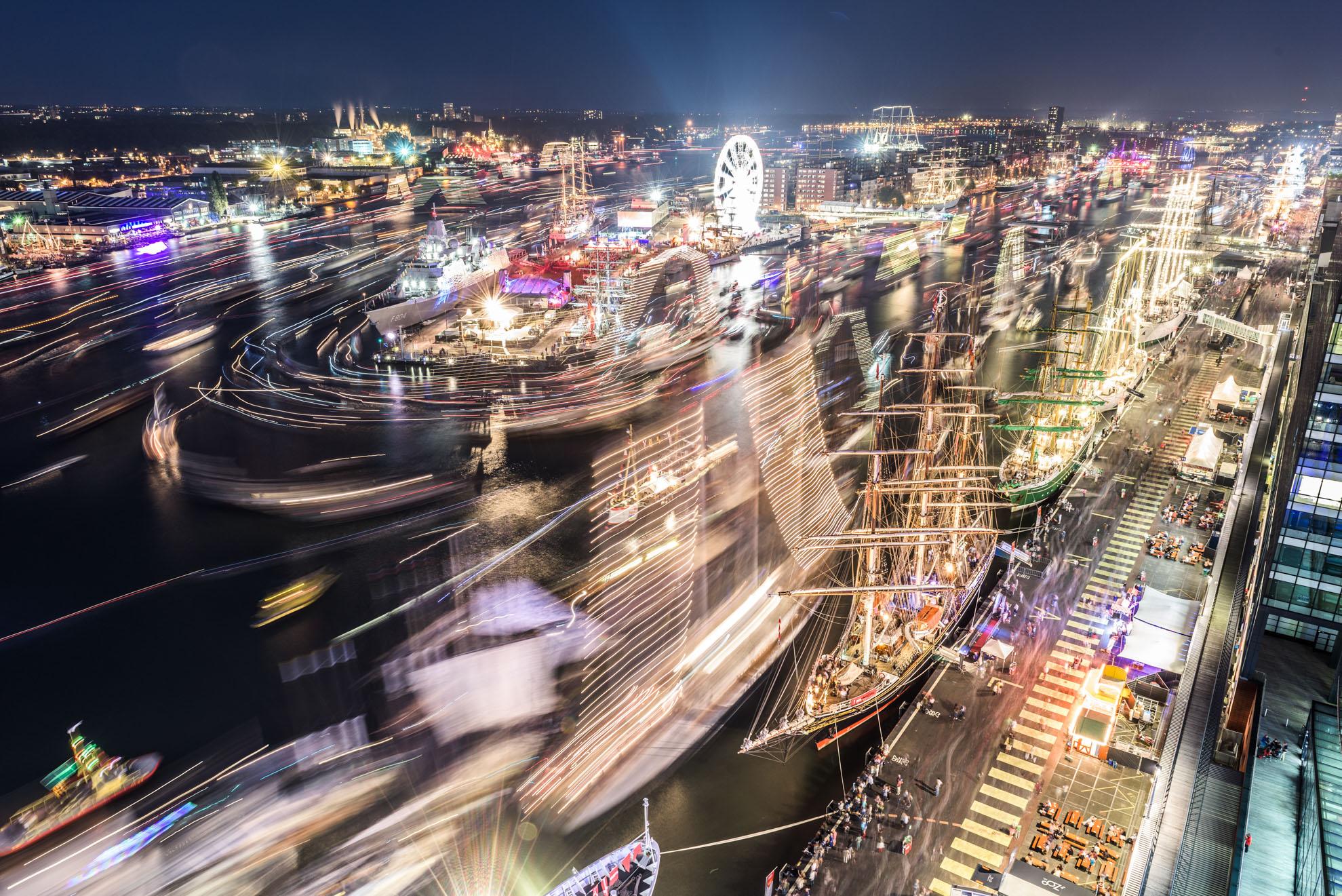 SAIL Amsterdam 2015 bij nacht