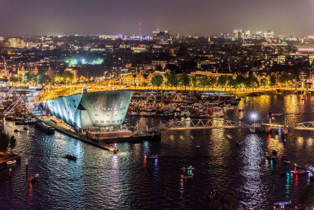 Nachtelijk Amsterdam, avondfotografie Amsterdam, avondfoto's Amsterdam, nachtfotografie Amsterdam, beelden