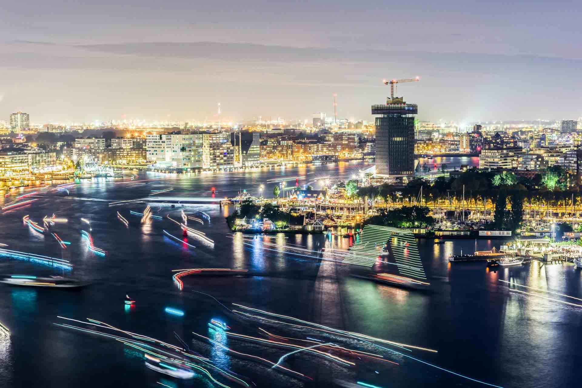 Nachtelijk Amsterdam, avondfotografie Amsterdam, avondfoto's Amsterdam, nachtfotografie Amsterdam, A'DAM Toren, Het IJ, SAIL Amsterdam 2015