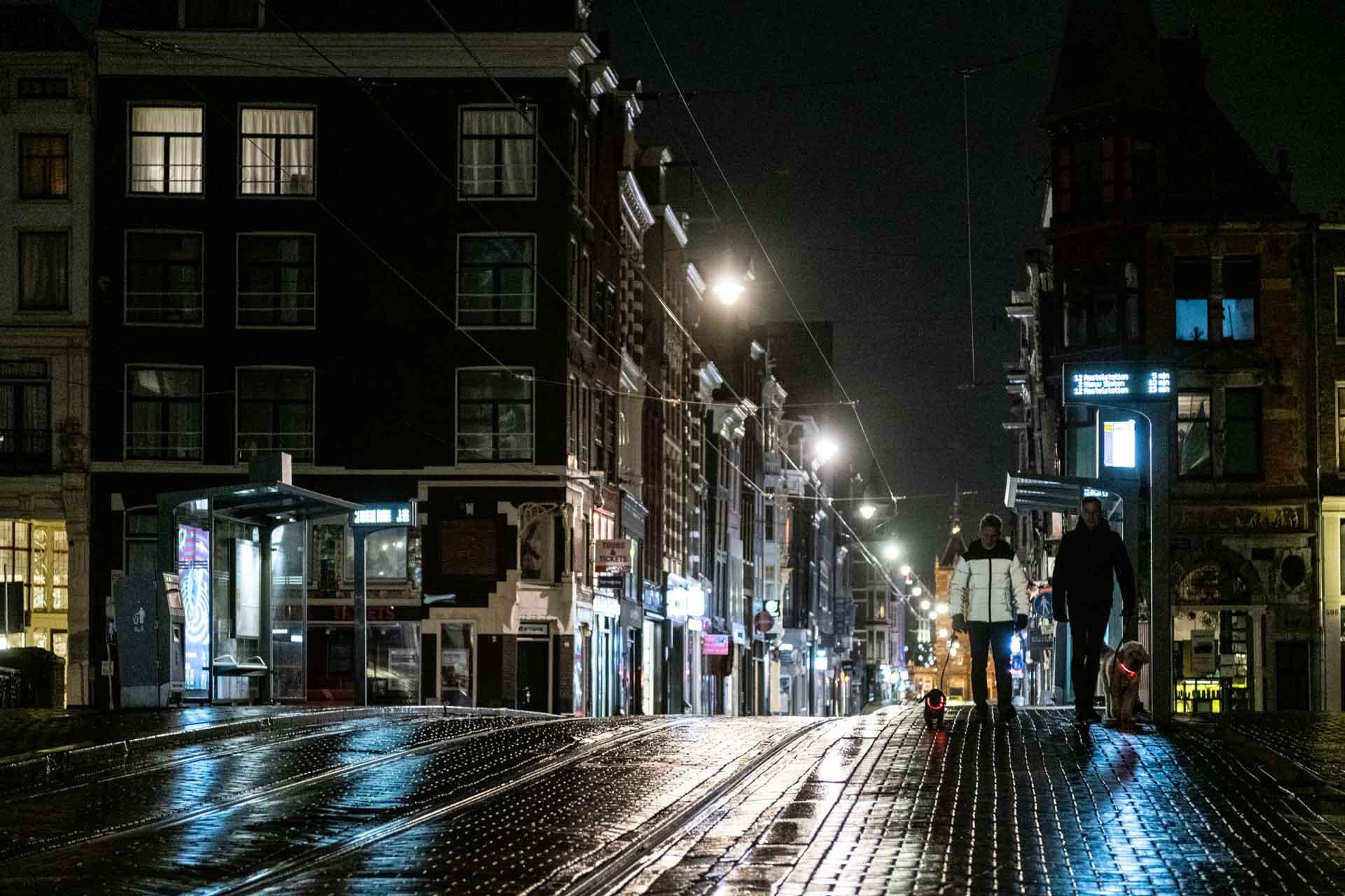 In beeld: Avondklok in Amsterdam