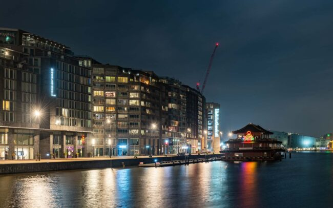 Avondklok Amsterdam corona Oosterdokseiland